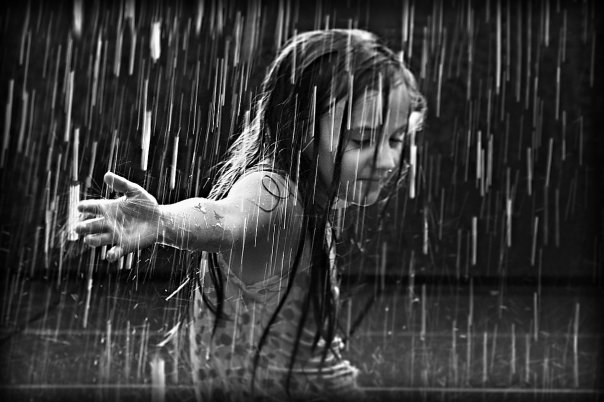 the_girl_in_the_rain_by_best10photos